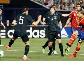 Última victoria  'amistosa' antes de dar la talla en la Confederaciones: La Roja gana 2-0 a Irlanda