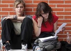 Los jóvenes españoles, entre los que tardan más en 'dejar el nido'