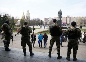 Ucrania pone en marcha la operación antiterrorista contra los grupos militares prorrusos que ocupan edificios en la zona  Este del país