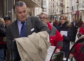 Nueva entrega de los papeles de Bárcenas: el ex tesorero se enriqueció con el ladrillo y lo 'compartió' con el PP