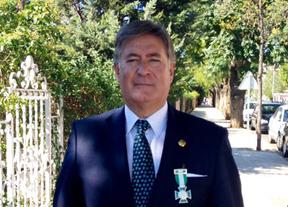 El presidente de los veterinarios de CLM recibe la Cruz al Mérito de la Guardia Civil