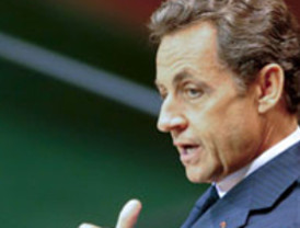 Sarkozy promete intervenir para remediar la falta de carburante