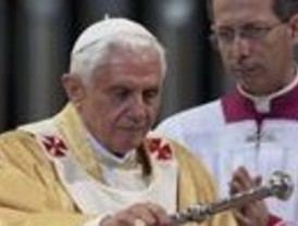 El Papa defiende en la Sagrada Familia la vida y el matrimonio tradicional de hombre y mujer