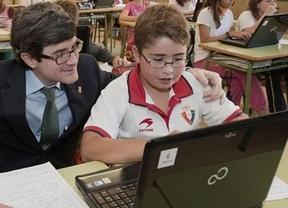 Educación prevé un ahorro de 250 euros por familia con los libros digitales disponibles desde septiembre