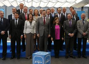 Rajoy se da un mes de tregua para reconciliarse con sus 'barones'