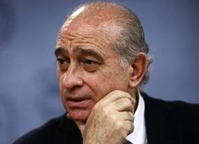 Fernández Díaz insinúa que el gobierno de Urkullu tolera la exaltación a etarras excarcelados