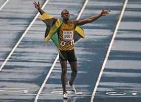 El 'relámpago' Bolt recupera el trono mundial en la lluvia de Moscú
