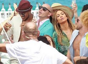 Jennifer Lopez y Pitbull, sorprendidos por un tiroteo en pleno rodaje