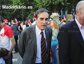 Valeriano Gómez, que ya dimitió en 2006, se manifestó contra el Gobierno en la huelga general