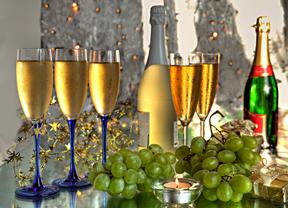 ¿Quién dará las campanadas en televisión para tomar las uvas esta Nochevieja?