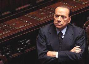 Berlusconi podría acabar su carrera recogiendo tomates o cuidando ancianos para evitar el arresto domiciliario