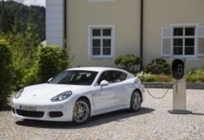 Porsche, suma y sigue