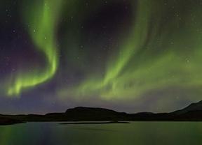 Las auroras boreales vistas desde un iglú
