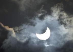 Las nubes eclipsan el esperado eclipse