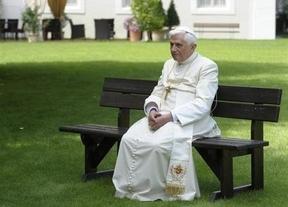 Benedicto XVI desmiente que será un Papa en la sombra tras vivir momentos