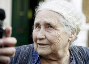 Las redes sociales se suman al homenaje a la fallecida escritora Doris Lessing