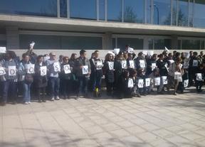 Empleados públicos piden por escrito a la Junta que ejecute la sentencia que le obliga a readmitir a 500 interinos