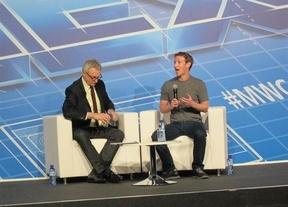 Zuckerberg, creador de Facebook, cree que comprar WhatsApp por 13.000 millones de euros fue una ganga