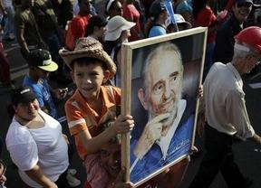Fidel Castro reaparece con una carta a Maradona en medio de los rumores sobre su salud