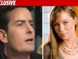 Actriz porno evalúa demandar a Charlie Sheen