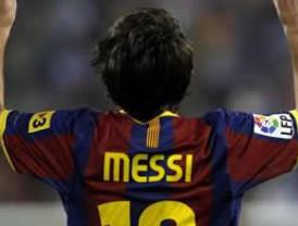 Barça derrota al Real de Zaragoza gracias al doblete de Messi
