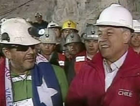 Informan que Piñera pensó en bajar al fondo de la mina