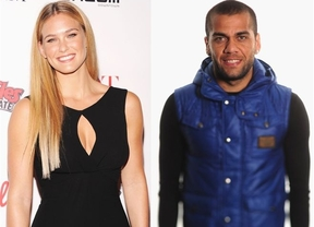 ¿Pareja imposible o simple envidia?: Bar Refaeli y Dani Alves podrían estar juntos