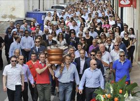 Miles de personas despiden a Jesualdo Martínez, fallecido en el accidente aéreo de Sevilla