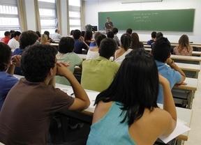 El PSOE califica de 'retroceso' el incremento de la ratio en las aulas