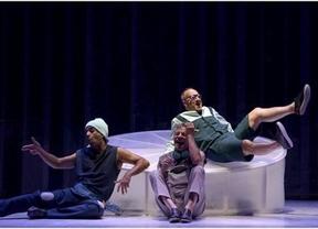 'VIP', la última propuesta teatral de Els Joglars, encanta al público madrileño en el María Guerrero