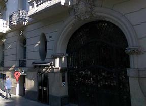 La Policía custodia y registra la sede de la agencia de espionaje Método 3
