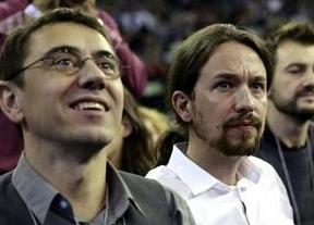 Pablo Iglesias  vuelve a desayunar con una encuesta triunfal: 'Podemos', primera fuerza política del país