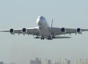 Viajar en avión es cada vez más seguro, 2012 bate récords