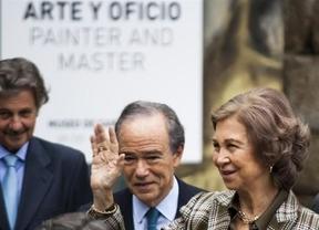 La Reina Sofía se interesa por 'Santiago el Mayor, peregrino' durante su visita a 'El Greco: arte y oficio