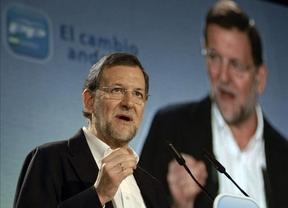 Rajoy se reunió en La Moncloa con los ministros de Industria y Exteriores antes de partir hacia México