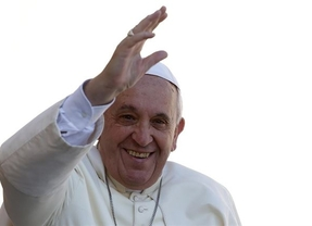 Francisco sopla ya 2 'velitas' como Papa