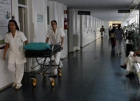 Hospitales que cobran 80 euros por cama junto al enfermo