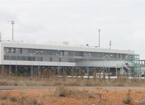 El aeropuerto de Ciudad Real sigue esperando ofertas para conocer su destino