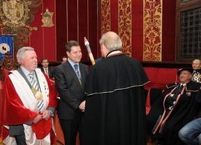 El alcalde de Toledo, cofrade de honor de la Cofradía de Queso Manchego