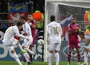 Un doblete de Ronaldo a balón parado rompe la maldición 'olímpica' del Madrid en Lyon (0-2)