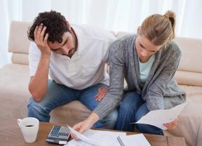 La deuda de las familias no se apunta a los brotes verdes: sube en junio y rompe la tendencia positiva