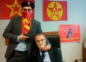 Muere el fiscal turco secuestrado por un grupo de extrema izquierda
