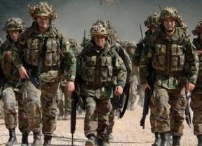 El Gobierno pone firmes a los militares amenazándoles con 'tocarles la cartera'