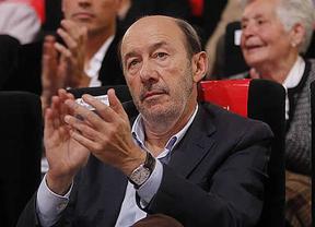 Pasillos de la Conferencia del PSOE: muchos quieren un 'paso atrás' del líder