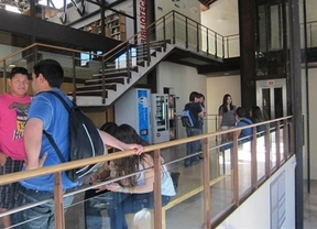 231 alumnos de la UCLM que pidieron ayudas para pagar los estudios, sin beca