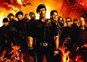 'Los mercenarios 2': A mitad de camino entre 'Rambo' y 'Hot Shots'