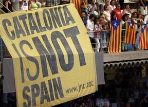 Pancartas independentistas, pitidos y aplausos en los mundiales de natación de Barcelona
