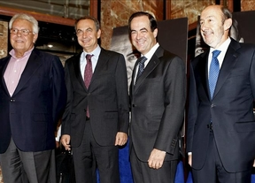 Zapatero, Felipe González y Rubalcaba acompañan a Bono en la presentación de sus memorias
