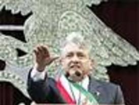 López Obrador asume el cargo de 'presidente legítimo'