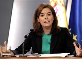 El Gobierno se enroca: no habrá reforma de la Constitución, como pide el PSOE, pero seguirá 'recortando derechos sociales'